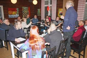 Lapin Kansanmusiikki ry:n perustamiskokous pidettiinLähteentien Pirtillä Rovaniemellä 12.11.2016. Pirtti oli täynnä innostunutta kokousväkeä eri puolilta Lappia. Kuva: Päivi Ylönen-Viiri