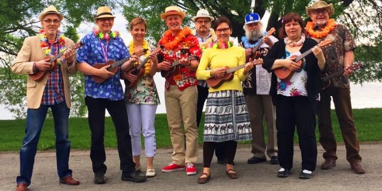 Wau, miten mukavaa! Warkauden ukuleleorkesteri WAU on alueen ukuleleharrastuksen lippulaiva. Kuva: Pekka Saraketo